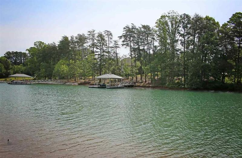 Return to the Crescent Communities on Lake Keowee Property Page
