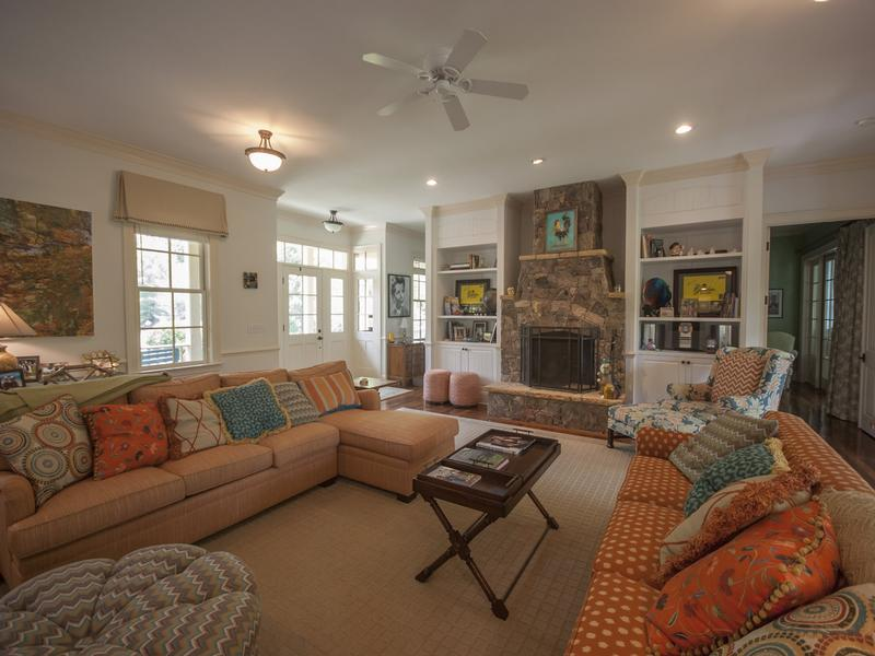 Open floorplan centered around the expansive living room