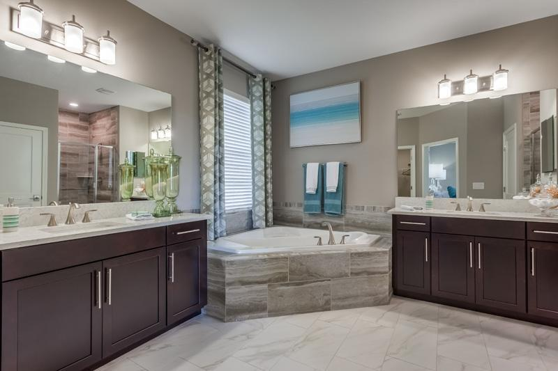 Jupiter Master Bathroom
