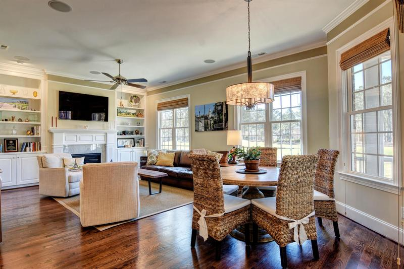 Breakfast Nook + Family Room
