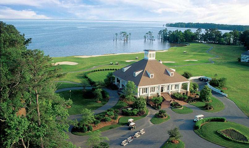 The natural beauty of the Albemarle Sound provides dramatic panoramic views from Albemarle Plantation's clubhouse and 18th hole.