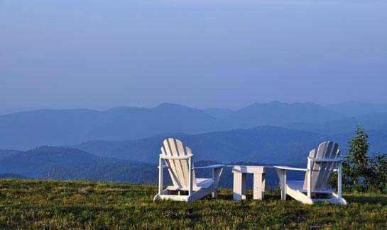 The event lawn at Blue Ridge Mountain Club features spectacular views of the Adirondacks