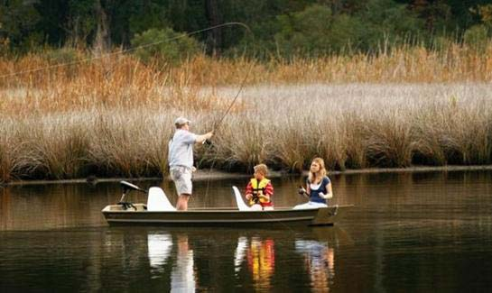 Ideal for fishing and boating, Brays Island Plantation is surrounded by over 20 miles of tidal estuaries with numerous saltwater and fresh water ponds located within the community.