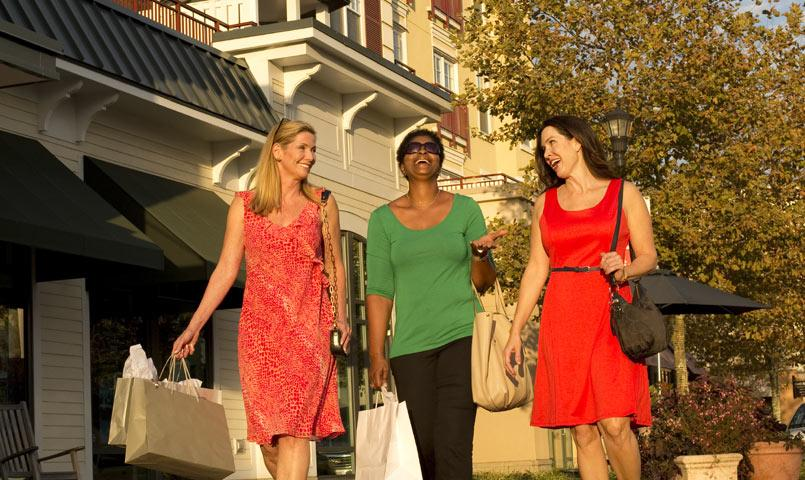 Women shopping at Market Common near Cresswind Myrtle Beach