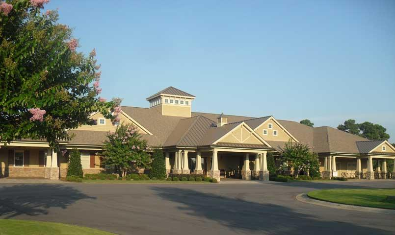 Crow Creek Clubhouse with restraurant