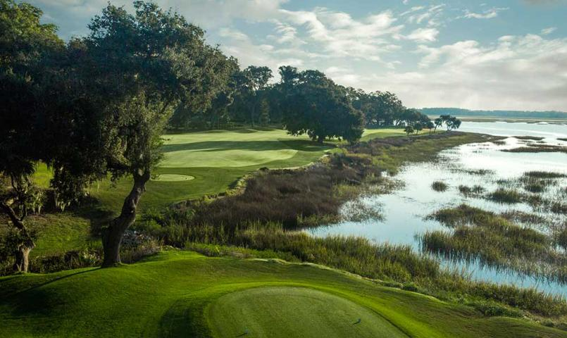 With two championship golf courses, a full service marina and unmatched club facilities, Dataw Island is consistently ranked among the top choices in the nation for retirement living.