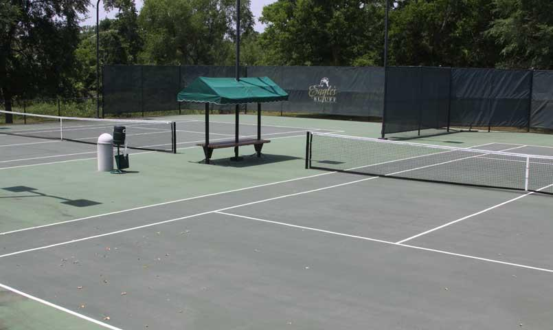 Lighted tennis & pickleball courts at Eagle's Bluff
