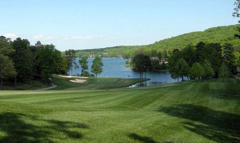 Located in the lush Cumberland Plateau region between Nashville and Knoxville, Fairfield Glade is home to 5 championship golf courses, 11 lakes with 2 marinas, swimming pools and recreation and fitness complexes.