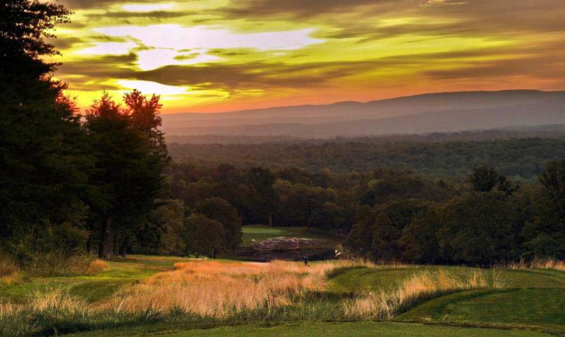 Located on the highest point in Fairfield Glade, the championship Druid Hills golf course provides several scenic views of the surrounding mountains.