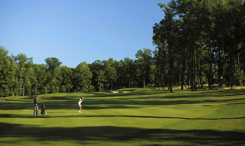 Championship Rees Jones golf course is ranked among Virginia's most challenging courses.