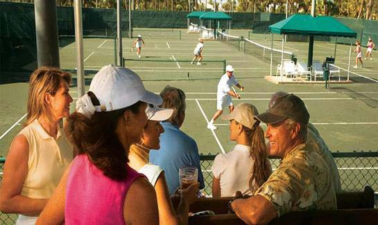 Sailfish Point offers a stadium-style tennis complex with eight impeccably maintained Har-Tru clay courts, including courts lit for night-play.