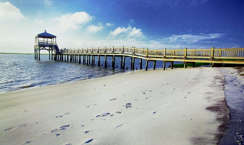 TidalWalk's sandy private beach on the ICW is the perfect place to enjoy the sun and outdoors.