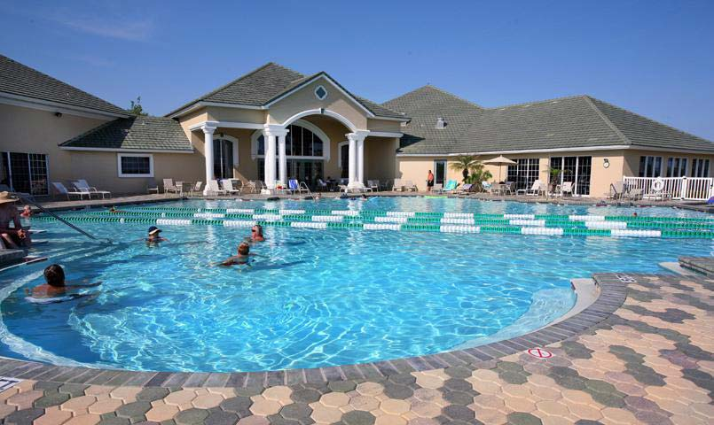 Residents of the Villages of Citrus Hills have access to three heated outdoor swimming pools and an indoor lap pool.