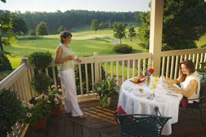 Gated golf community in Chapel Hill, North Carolina offering golf, tennis, boating and clubhouses. See photos and get info about real estate for sale.