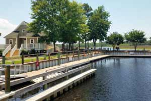Winding River Plantation is a waterfront gated golf community in Bolivia, North Carolina. See photos and get info on homes for sale.