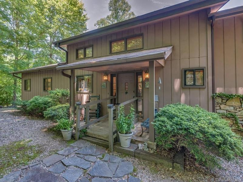 Return to the Rumbling Bald on Lake Lure Property Page