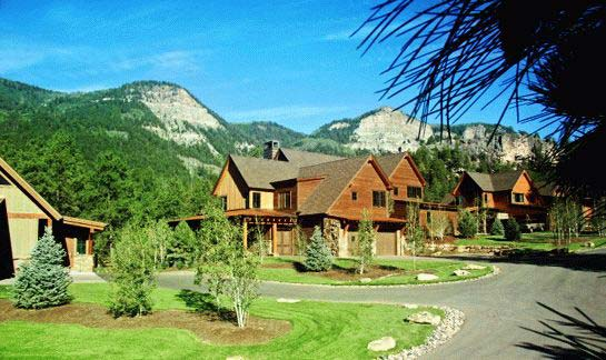 Showdown residential homes overlooking Hermosa Cliffs at the Glacier Club