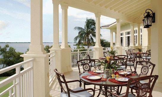Dining and club areas are situated to take maximum advantage of the beautiful Indian River setting.