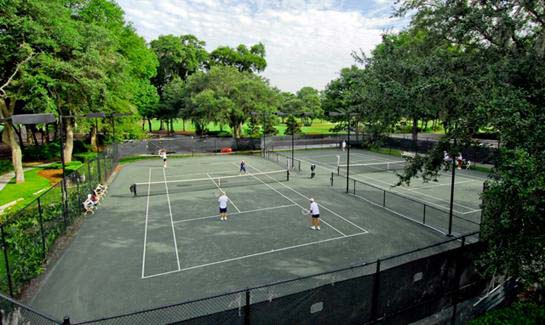 Tennis facilities at Dataw include eight Har-Tru courts, and a new 1,600-square-foot tennis center.